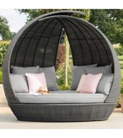 Lotus Daybed