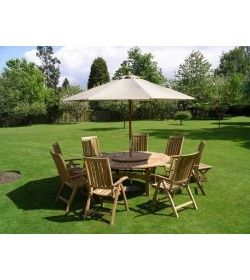 Chunky 180cm table, 8 recliners & parasol